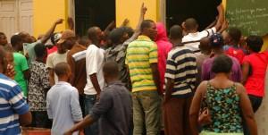 Haitianos em Brasiléia procurando emprego