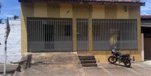Casa na Rua Fernando Correa da Costa onde estão vivendo alguns Haitianos - Foto: Ricardo Costa / AGORA MT