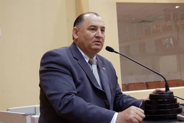 Deputado Nininho durante fala no na Assembleia Legislativa - Foto: assessoria