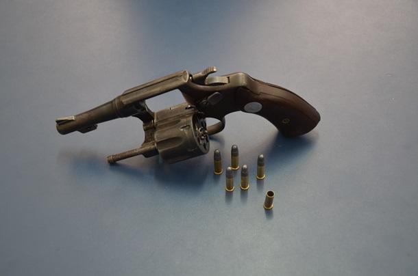 Arma apreendida pela PM - Foto: Ricardo Costa / AGORA MT