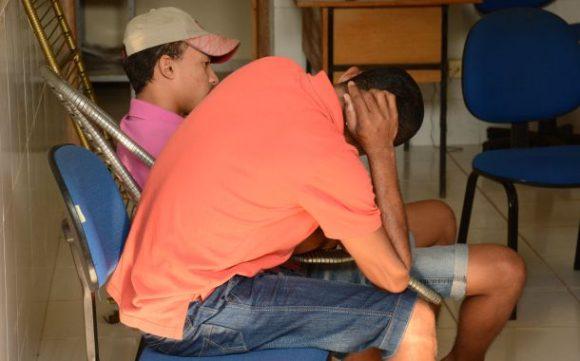 Polícia prende família sob acusação de tráfico