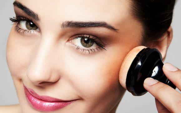 Dica de beleza: Aprenda a fazer uma maquiagem básica em menos de 5 minutos