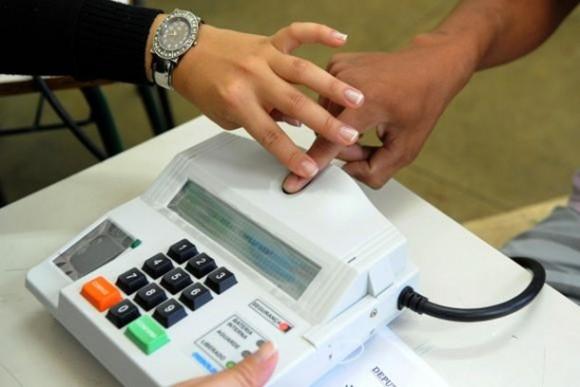 Em média, eleitor gastará 42 segundos para votar na urna biométrica