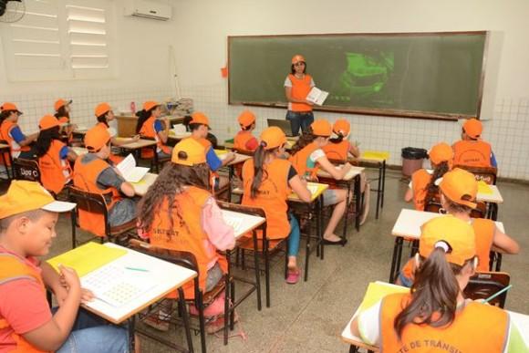 Nova turma de agentes mirins tem 80 alunos