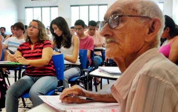 Mais de 15 mil idosos participam do Enem este ano