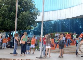 Início da manifestação do Sispmur no Paço Municipal - Foto: Varlei Cordova / AGORA MT