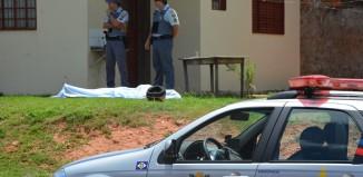 Corpo de Wilson Cirino Andrade assassinado no Jardim Violetas - Foto: Ricardo Costa / AGORA MT