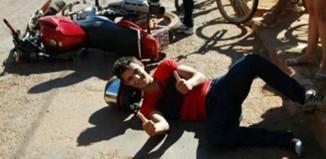 Acidentado faz pose para foto: Foto: Agência da Notícia
