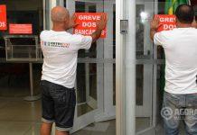 Bancarios iniciando o movimento de greve - Foto : Messias Filho / AGORA MT