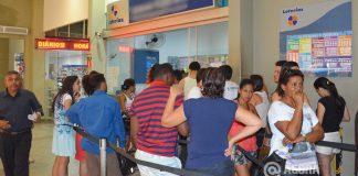 Rondonopolitanos lotaram as lotéricas até no último minuto - Foto: Ricardo Costa / AGORA MT