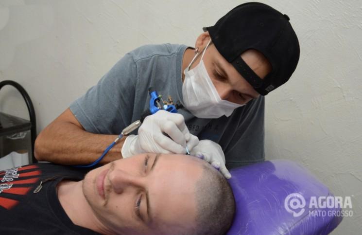 Tatuador Ênio Maciel .Foto: Varlei Cordova/AGORAMT