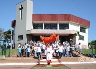 Dia de Corpus Christi da igreja Santa Terezinha - Foto: Varlei Cordova/ AGORA MT