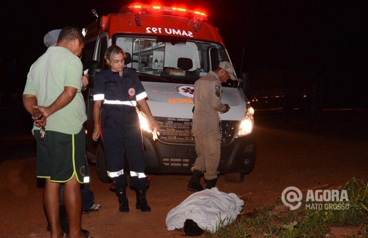 SAMU no local do homicídio - Foto : Messias Filho / AGORA MT