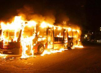 Ônibus queimado - Foto: Vc Repórter