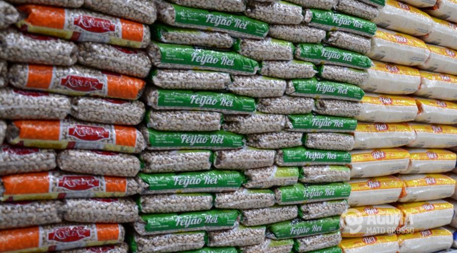 Feijao em supermercado - Foto: Varlei Cordova / AGORA MT