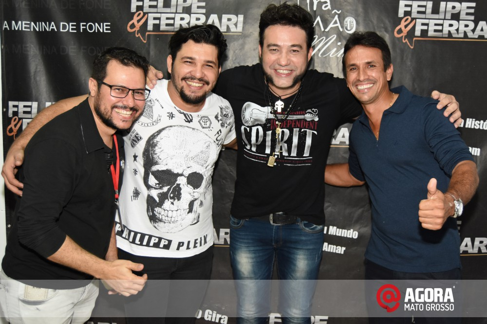 Imagem: Inauguração do 50tão Show Bar com Felipe & Ferrari   1 (46)