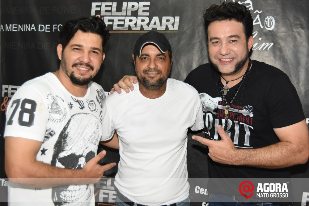 Imagem: Inauguração do 50tão Show Bar com Felipe & Ferrari   1 (54)