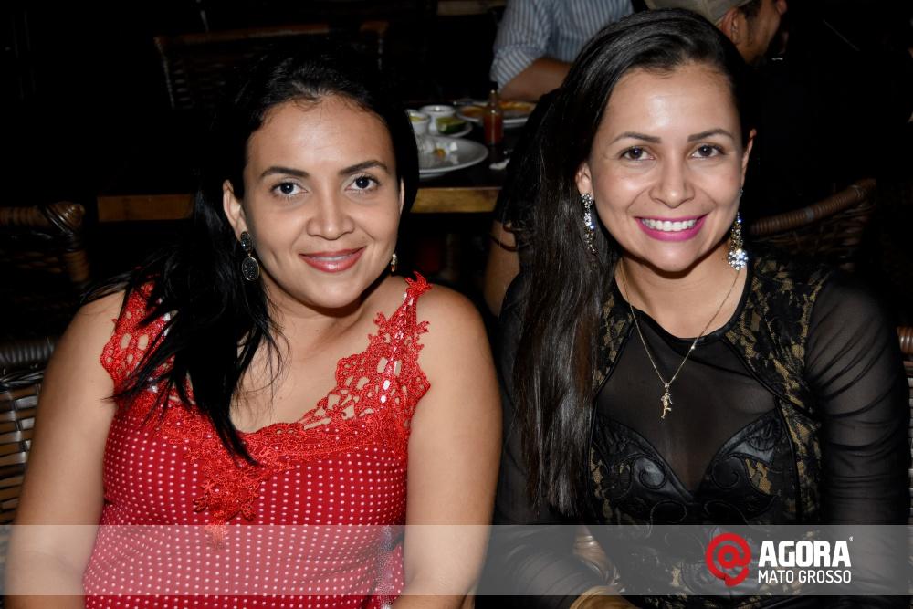 Imagem: Luciana Oliveira animou à noite de terça feira em Rondonópolis    1 (12)