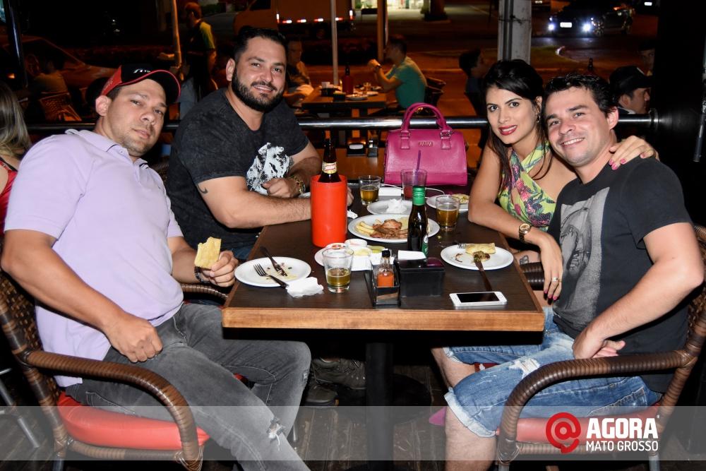 Imagem: Luciana Oliveira animou à noite de terça feira em Rondonópolis    1 (13)