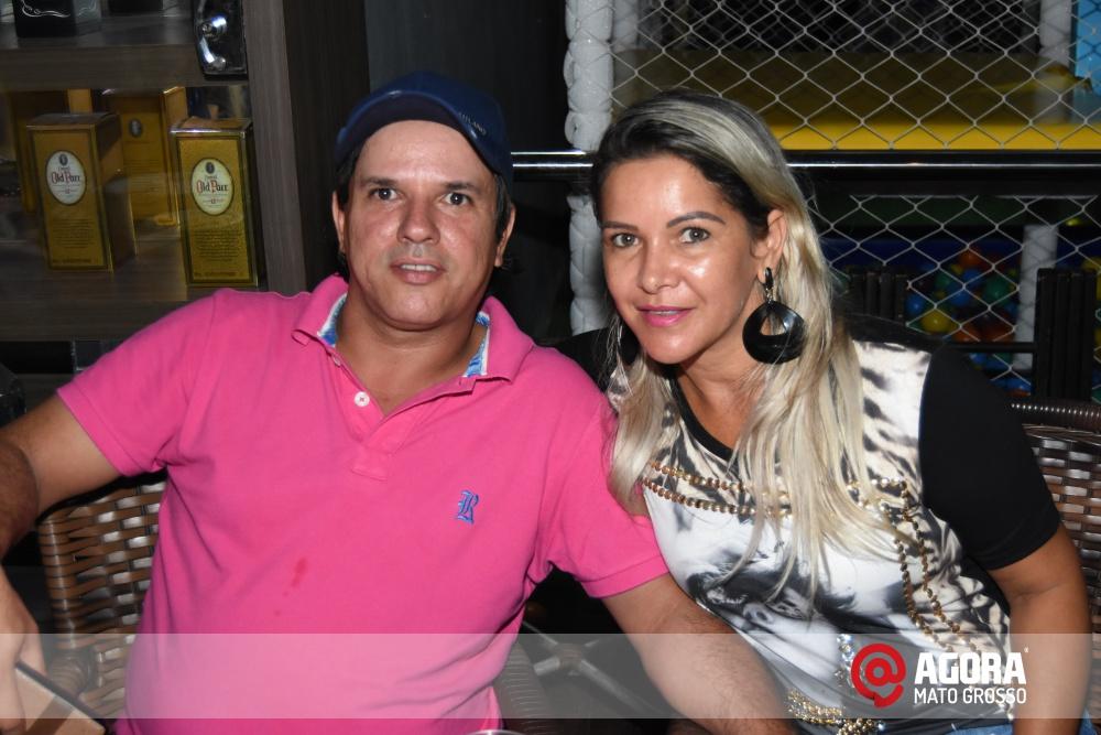 Imagem: Luciana Oliveira animou à noite de terça feira em Rondonópolis    1 (17)