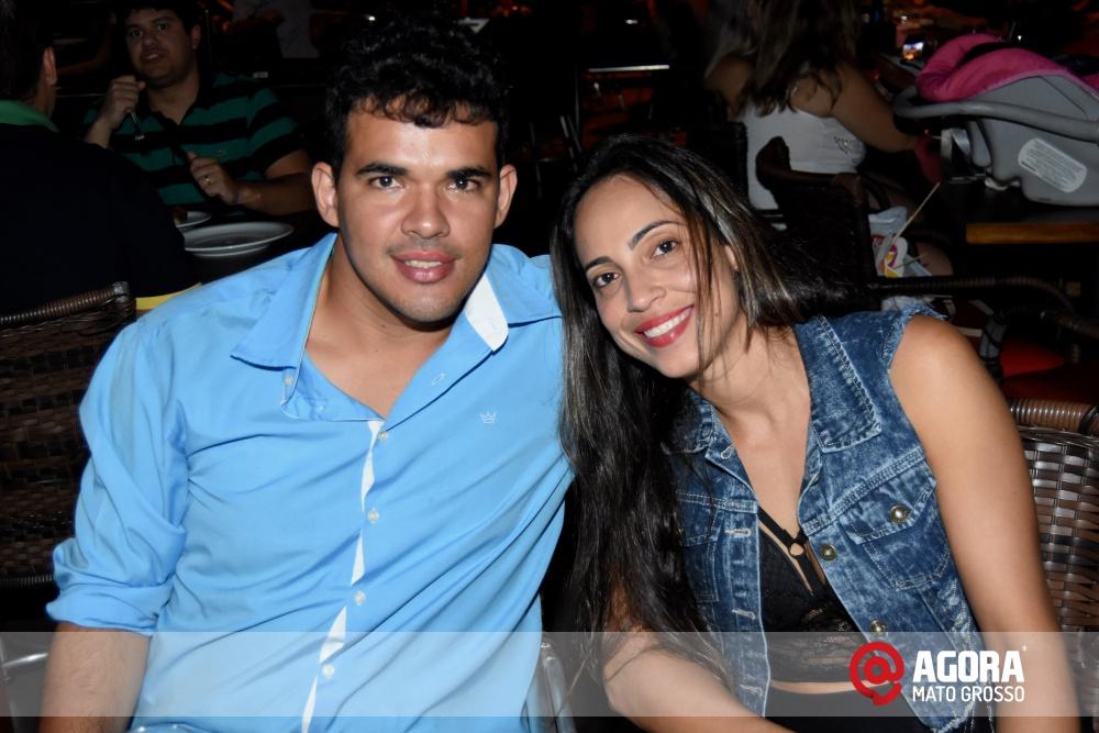 Imagem: Luciana Oliveira animou à noite de terça feira em Rondonópolis    1 (20)