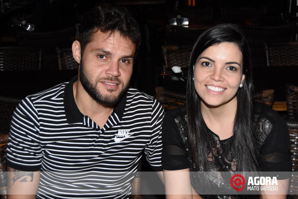 Imagem: Luciana Oliveira animou à noite de terça feira em Rondonópolis    1 (23)