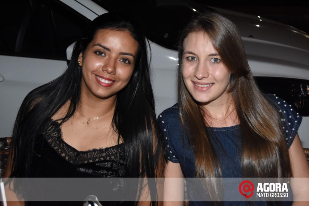 Imagem: Luciana Oliveira animou à noite de terça feira em Rondonópolis    1 (27)