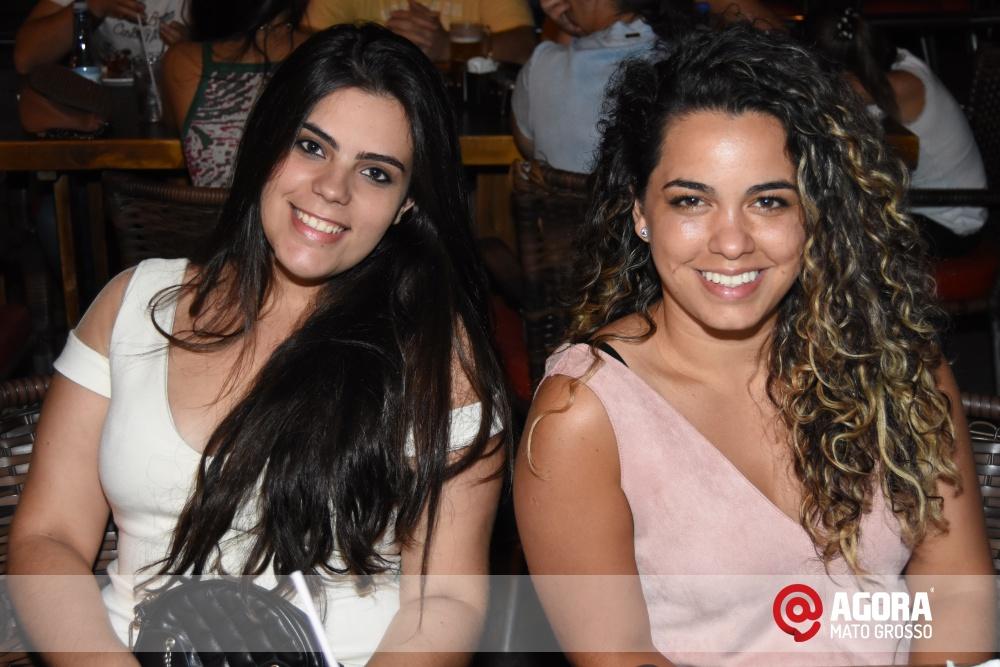 Imagem: Luciana Oliveira animou à noite de terça feira em Rondonópolis    1 (3)