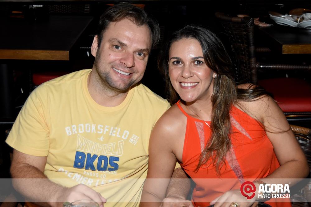 Imagem: Luciana Oliveira animou à noite de terça feira em Rondonópolis    1 (4)