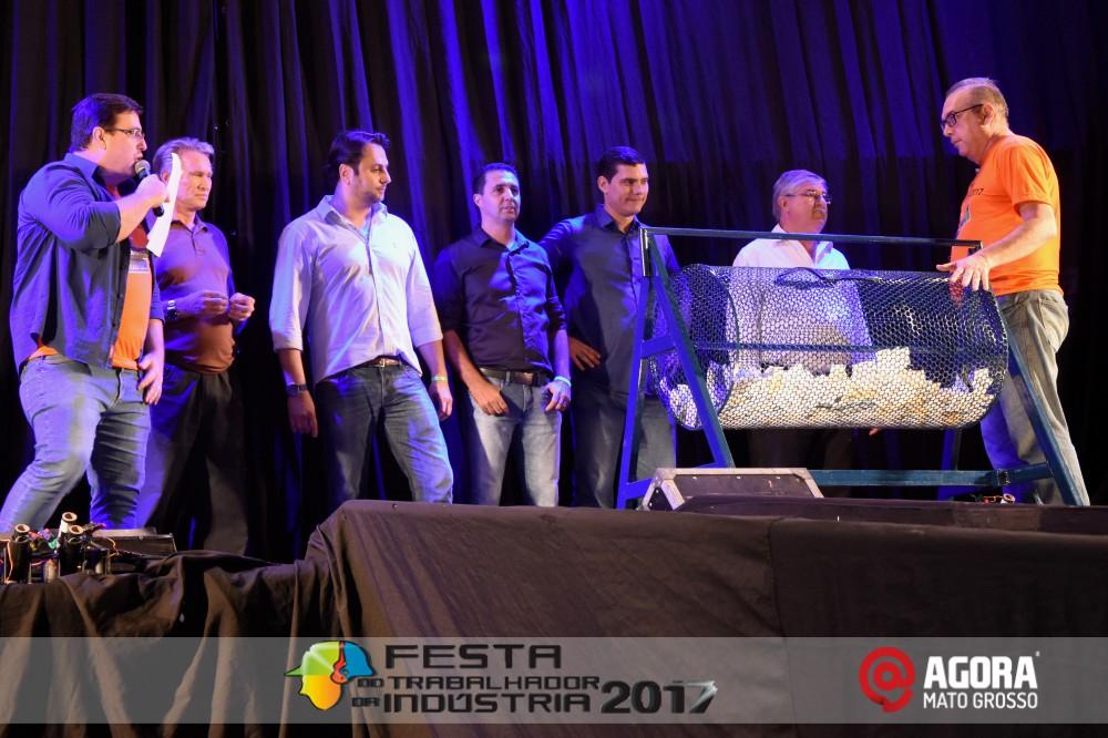 Imagem: Show de Fernando e Sorocaba na 10ª Festa do Trabalhador da Indústria em Rondonópolis   1 (109)
