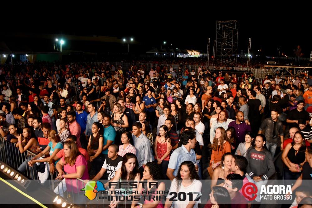 Imagem: Show de Fernando e Sorocaba na 10ª Festa do Trabalhador da Indústria em Rondonópolis   1 (111)