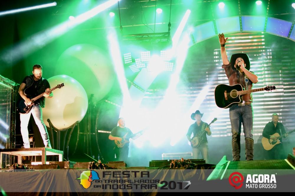 Imagem: Show de Fernando e Sorocaba na 10ª Festa do Trabalhador da Indústria em Rondonópolis   1 (121)