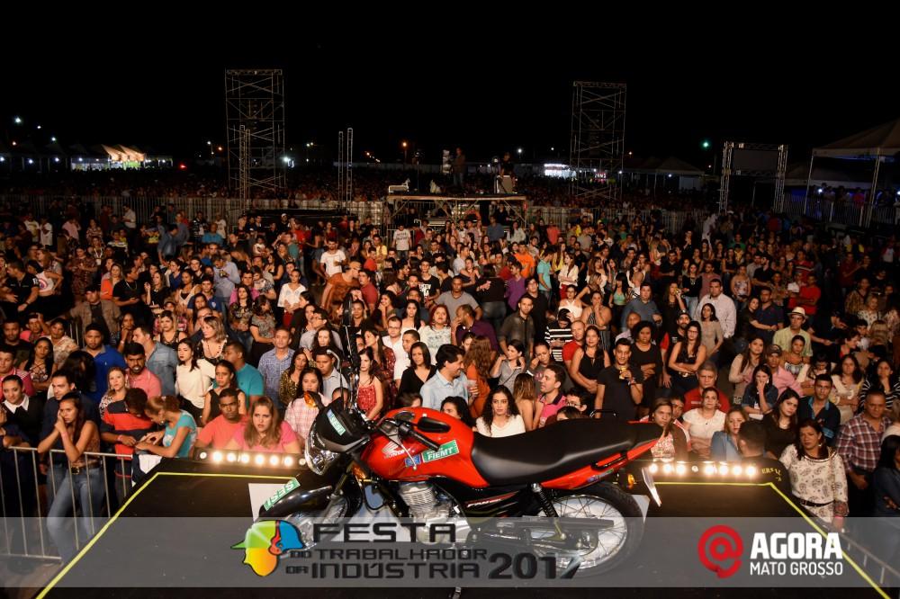 Imagem: Show de Fernando e Sorocaba na 10ª Festa do Trabalhador da Indústria em Rondonópolis   1 (5)