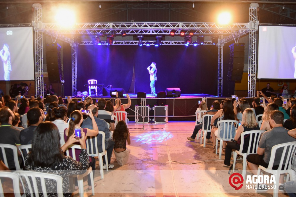 Imagem: Whindersson Nunes Show Comedy no Centro de Eventos Santa Terezinha   1 (4)