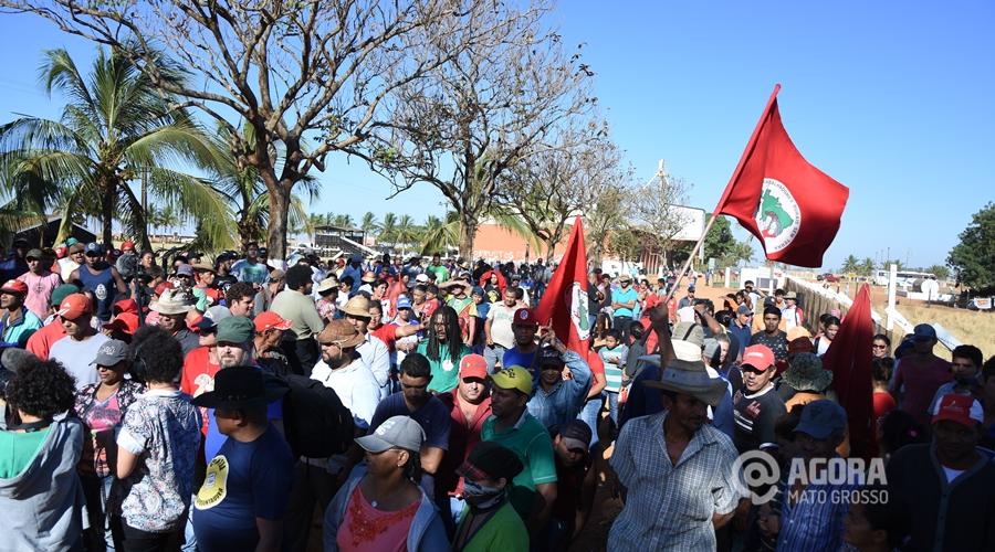 MST invade fazenda do Senador Blairo Maggi em Rondonópolis - Foto: Varlei Cordova/ AGORA MT