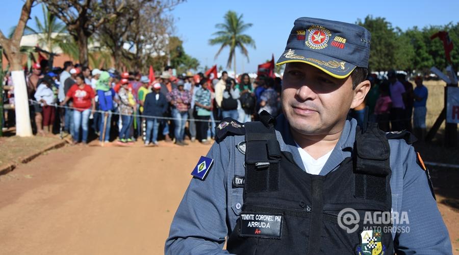 Ten Cell Arruda na invasão da fazenda do Senador Blairo - Foto: Varlei Cordova/ AGORA MT