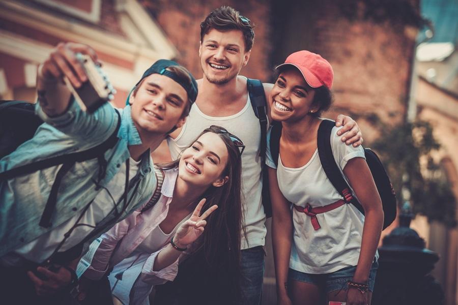 Imagem: jovens