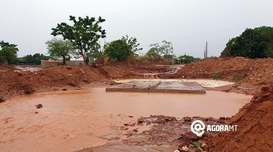 Imagem: Alagamento na rua W 11 Após chuva, ruas ficam intransitáveis em Rondonópolis