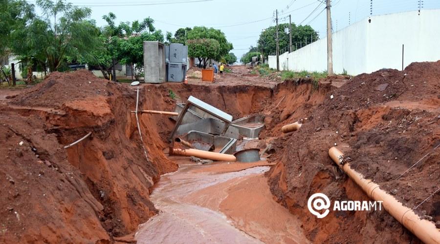 Imagem: Chuva causa destruicao no Paineiras Após chuva, ruas ficam intransitáveis em Rondonópolis
