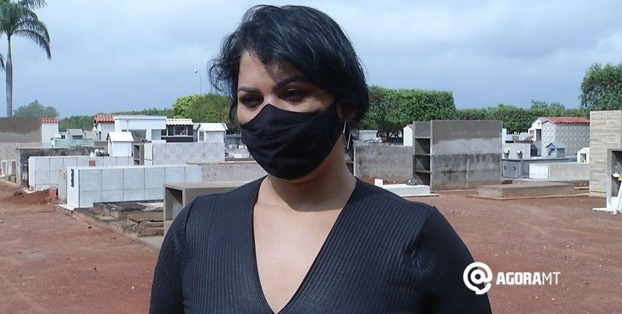 Imagem: Coordenadora dos cemiterios municipais Vanete Barbosa Não haverá missas nos cemitérios de Rondonópolis no Dia de Finados