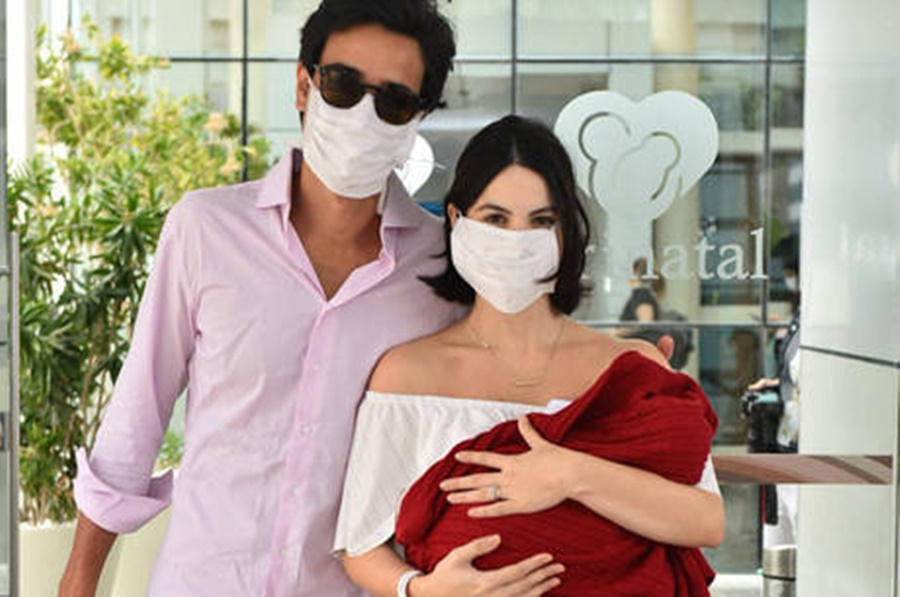 Imagem: Brito Sthefany Brito deixa maternidade após primeiro filho