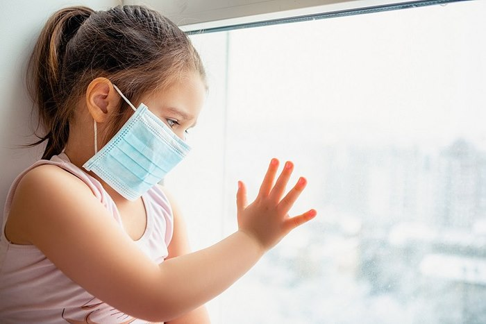 Imagem: Crianca com Covid Veja como a saúde mental das crianças pode ser afetada pela pandemia