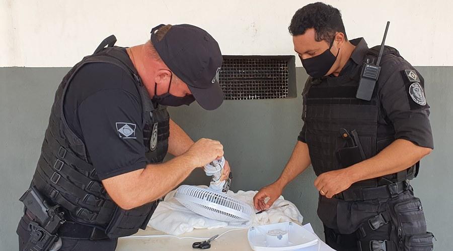 Imagem: Droga apreendida em ventilador na Mata Grande Com ajuda de cão farejador, policiais penais evitam entrada de droga