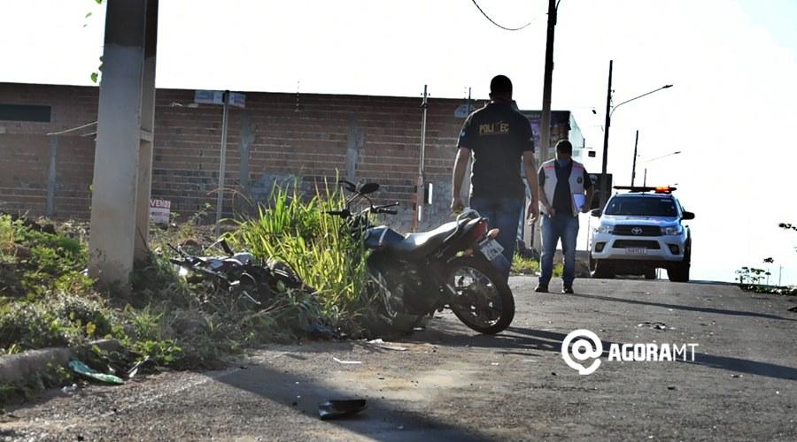 Imagem: Pericia trabalhando no local Colisão entre motos na Rio Branco resulta em uma morte