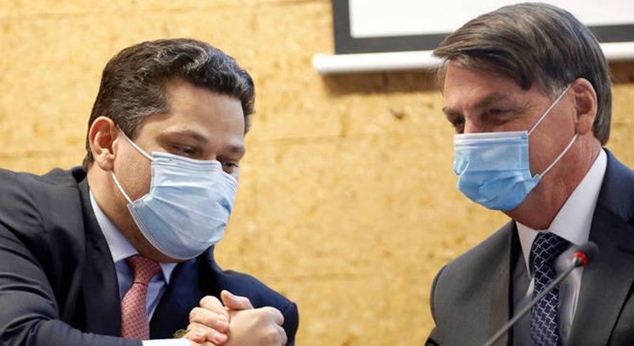 Imagem: Presidente do Senado e Bolsonaro Presidente do Senado e Bolsonaro se reúnem para falar sobre a vacina da covid-19