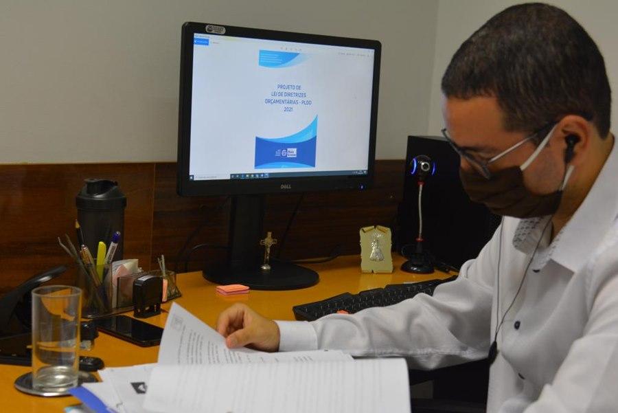 Imagem: lei orcamentarias para 2021 Governador sanciona lei de diretrizes orçamentárias para próximo ano