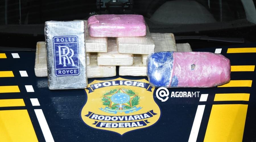 Imagem: Droga apreendida pela PRF PRF faz vistoria em ônibus e com êxito prende duas mulas com cocaína