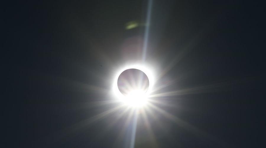 Imagem: essa Brasil terá eclipse solar parcial hoje, entre meio-dia e 15h