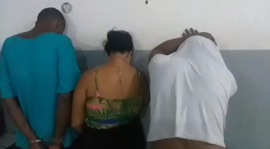 Imagem: suspeitos presos Trio é preso após lojas de eletrônicos serem invadidas na madrugada