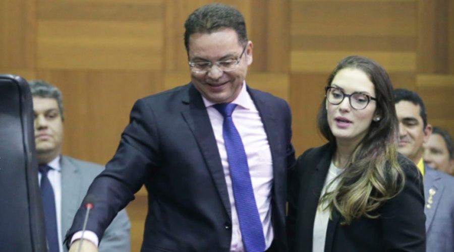 Imagem: Botelho e Janaina Riva Botelho brinca e faz comparação com prêmio da loteria